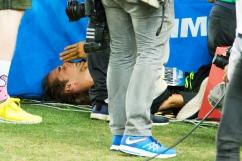 Montecarlo - Ultimo salto, a medaglia già vinta. Si rompe la scarpa in fase propulsiva, si lacerano legamenti e muscoli del piede in appoggio e Tamberi affonda nelle lacrime rendendosi conto che le Olimpiadi di Rio, per le quali era uno dei favoriti, sono oramai un irraggiungibile miraggio.