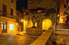 St Paul de Vence - A notte fonda, un viaggio in macchina dalla costa alla collina per catturare la magia di questo splendido borgo.