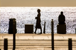 Nizza - La Promenade incendiata dal sole del mattino